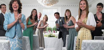 Что надеть на свадьбу: особенности свадебного дресскода