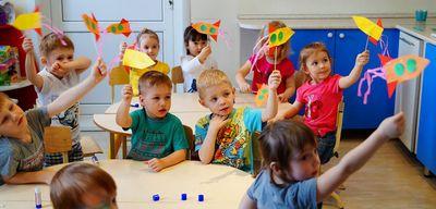 День космонавтики в детском саду – сценарии праздника ко дню космонавтики для средней и подготовительной группы