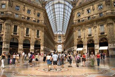 Шоппинг в италии: особенности покупок одежды в милане